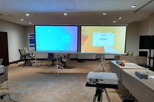 Projector rental in Dubai